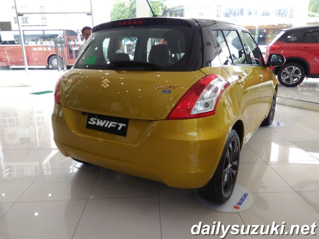 SUZUKI SWIFT RS 9