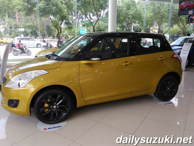SUZUKI SWIFT RS 7