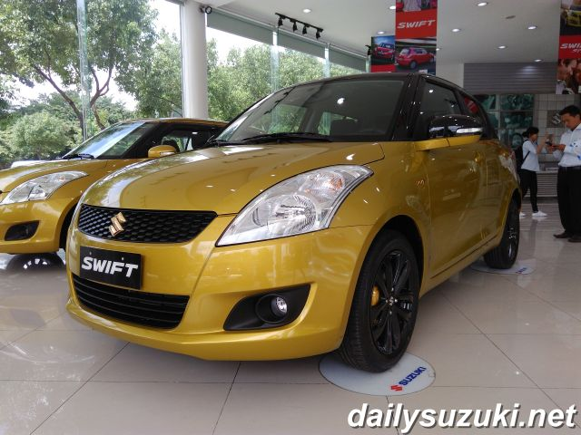 SUZUKI SWIFT RS 6