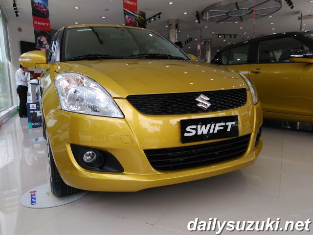 SUZUKI SWIFT RS 5