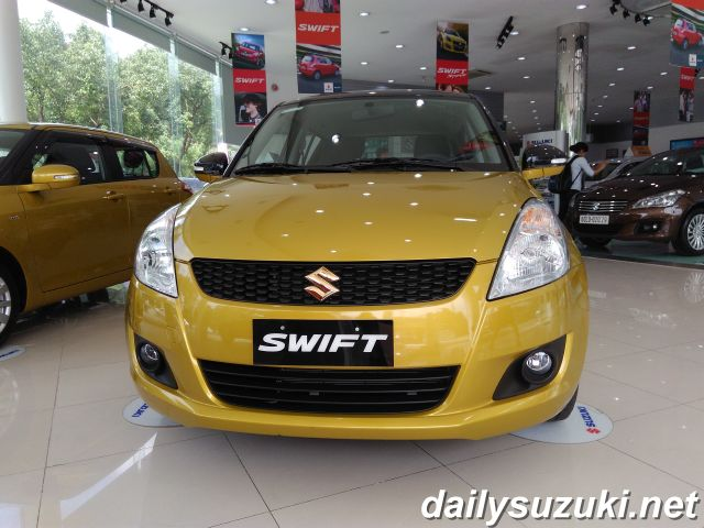 SUZUKI SWIFT RS 1